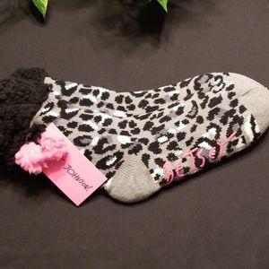 🎁Betsey slipper socks